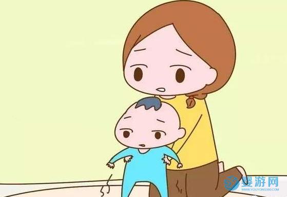 婴儿不能过早弹跳和学走路,但游泳不能太晚