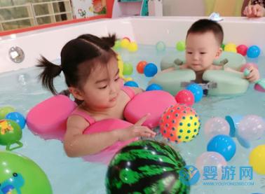 长期带宝宝游泳是什么体验,家长孩子都说好