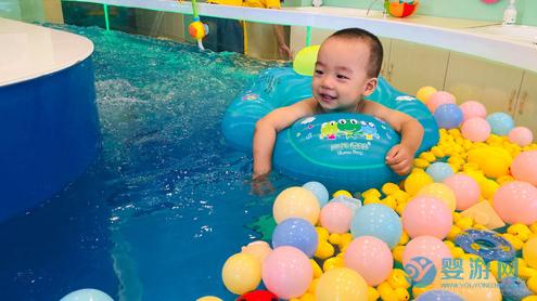 """火热的""""社区团购""""和婴儿游泳馆能否结合?事在人为"""