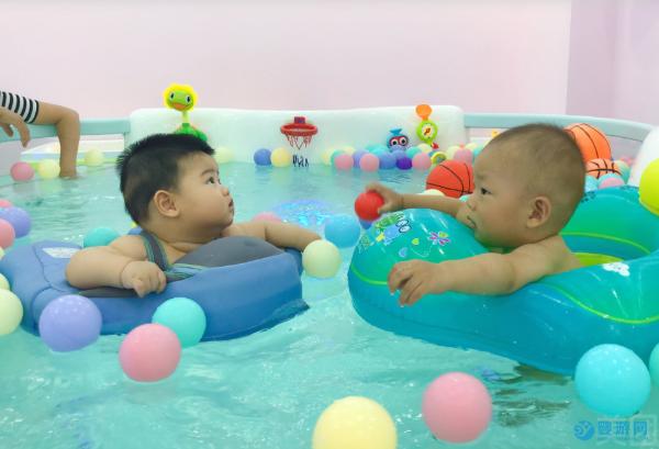 如果你的孩子有这些情况一定要去游泳,越早越好