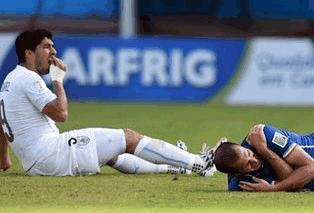世界杯禁止咬人雷人新规,你怎么看?
