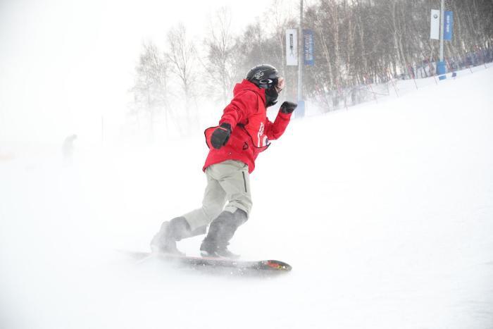 """2018-2019新浪杯高山滑雪公开赛重装登场!全面升级""""雪战到底""""!"""