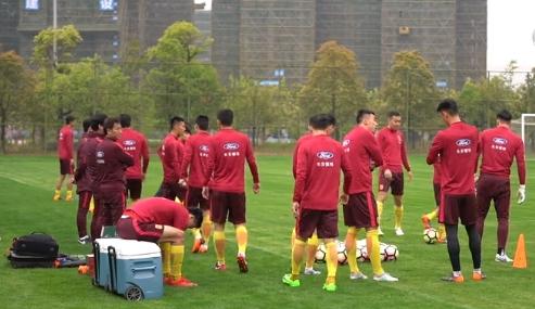 京媒:国家队打联赛一直在推进,只是方案在优化中