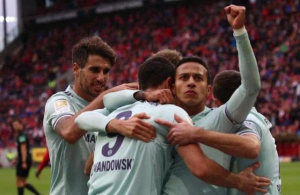 德甲 拜仁客场2-1胜美因茨又伤2人