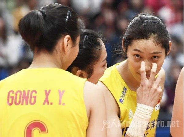 中国女排战美国女排 强者的队伍谁人能敌 连胜得看女排