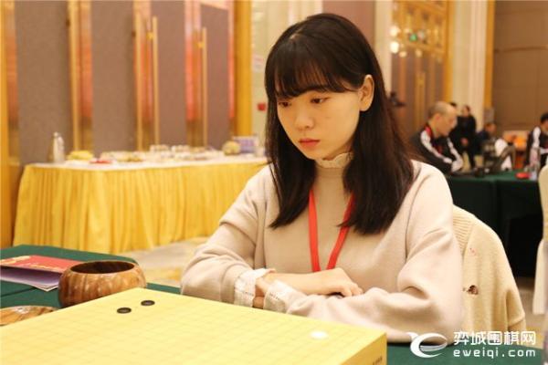 正在直播女甲第17轮 李赫VS陈一鸣 金彩瑛VS潘阳