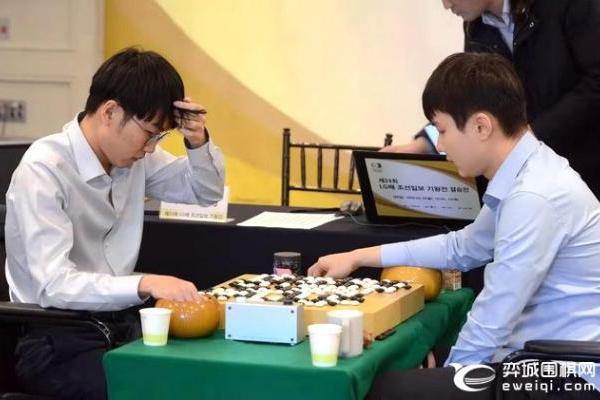 12日LG杯决赛第二局 申真谞VS朴廷桓 陈玉侬讲...