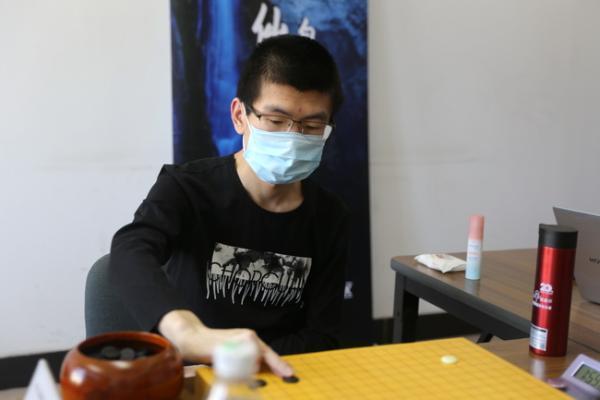 棋圣战谢尔豪胜范廷钰进八强 20日辜梓豪VS陈耀烨