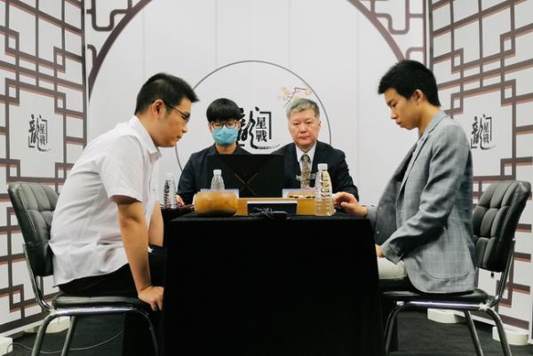龙星战芈昱廷胜辜梓豪将战柯洁 连笑屠龙擒范廷钰