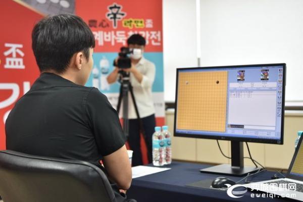 农心杯第12局重赛开战 朴廷桓执黑对阵范廷钰