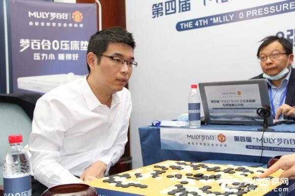 """梦百合杯半决赛首局""""欺生"""" 芈昱廷谢科先拔头筹"""