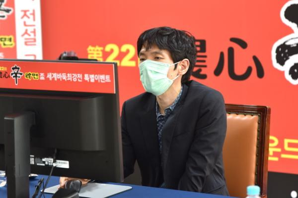 曹薰铉擒杀依田纪基 农心杯特邀赛韩国2比0胜日本