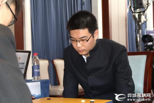 """梦百合杯半决赛第二局开战 谢科范廷钰""""龙缺水"""""""
