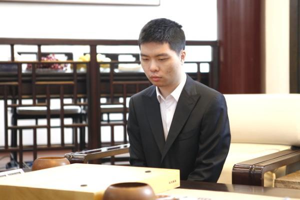 辜梓豪反杀李钦诚超级巨龙 15日将挑战天元杨鼎新