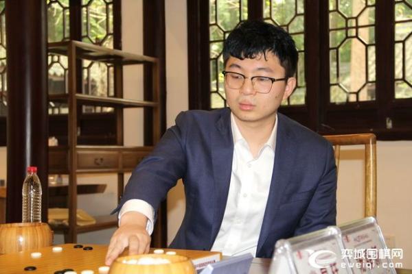 """芈昱廷决赛无功而返 杨鼎新第三次加冕""""西南王"""""""