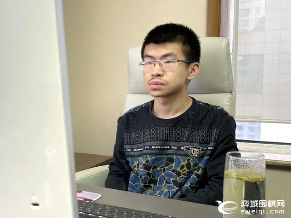 超级循环赛第三局转换不断 顽强卞相壹力胜范廷钰