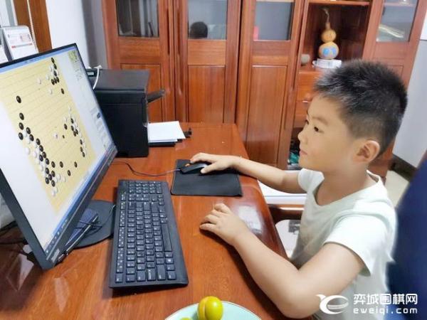 爱思通少儿网络赛鸣金 邹宇轩等获中韩对抗赛资格