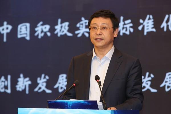 中国铁塔累计投资1600亿元建成基站220万个 新建铁塔共享率升至75%