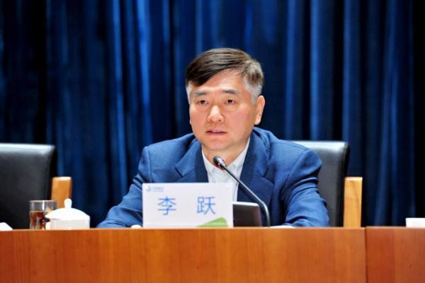 中国移动:李跃因年龄原因辞任执行董事兼首席执行官职...