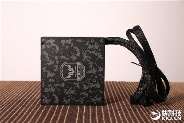 迷彩外观 MasterWatt 750 TUF Gaming Edition电源图赏
