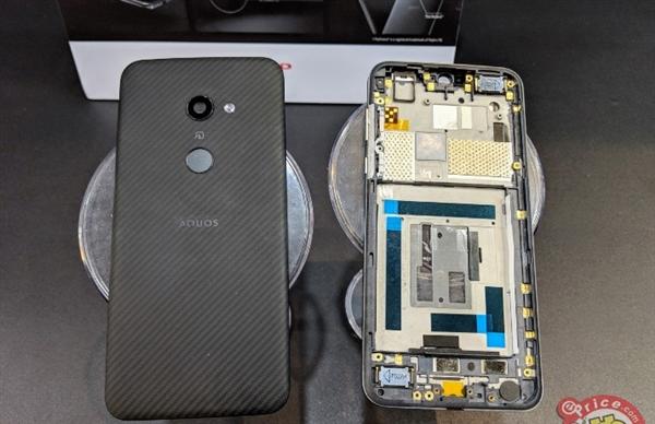 最轻6.2寸手机 夏普AQUOS zero发布:2K OLED屏加持