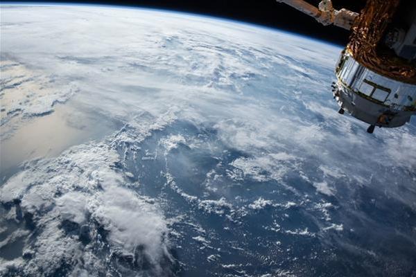 美国解除卫星禁令:手机可以用GPS之外的导航系统了