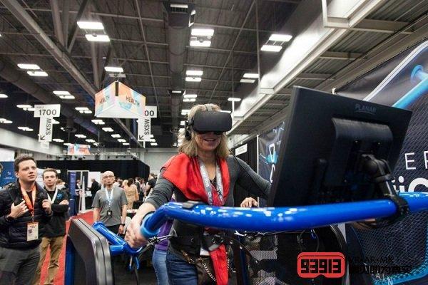 VR跑步机与竞技游戏的结合是虚拟现实体验的解决方案