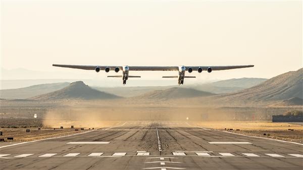 世界最大飞机Stratolaunch首飞成功:可把200吨火箭载至平流层发射