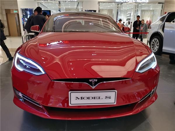 """特斯拉Model S""""狂暴模式""""是一种怎样的体验?这重力加速度感受下"""