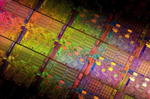 电子学的一大步:碳纳米晶体管制成的16位微处理器问世