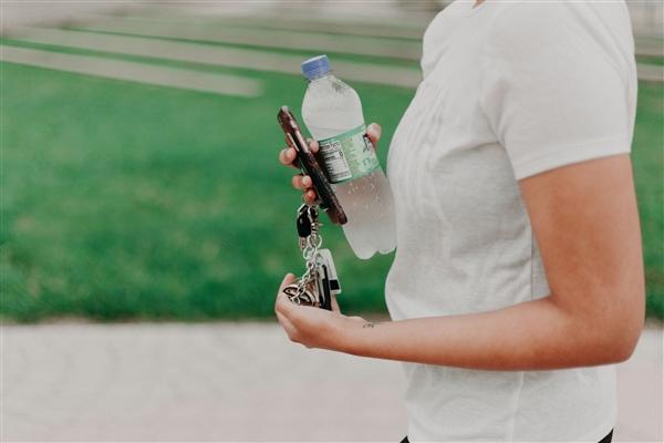 旧金山机场禁止销售一次性塑料瓶