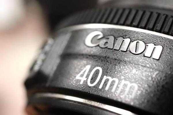 相机的浪潮往哪去?佳能逆潮流,推出无反变单反转换器
