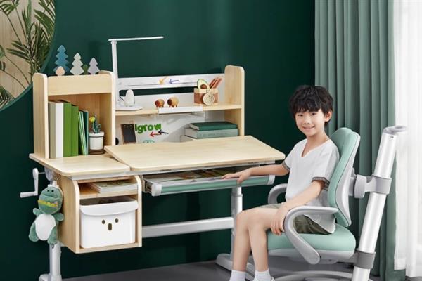 3-18岁都能用 小米有品上架原木学习桌椅