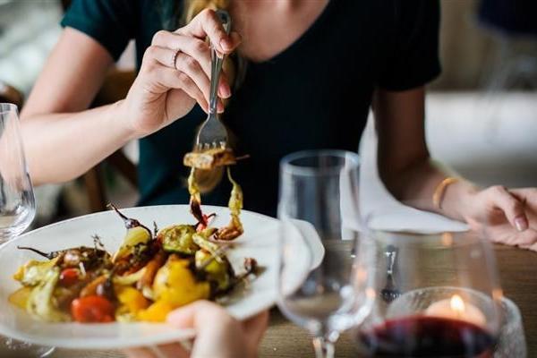 美食不可抵挡!肥胖或是因为食物上瘾导致