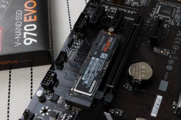 固态硬盘怎么选?三星NVMe SSD 970 EVO Plus京东热售中