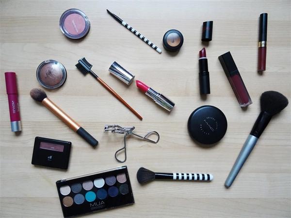 使用中的多数化妆品或有超级细菌:美妆蛋最多