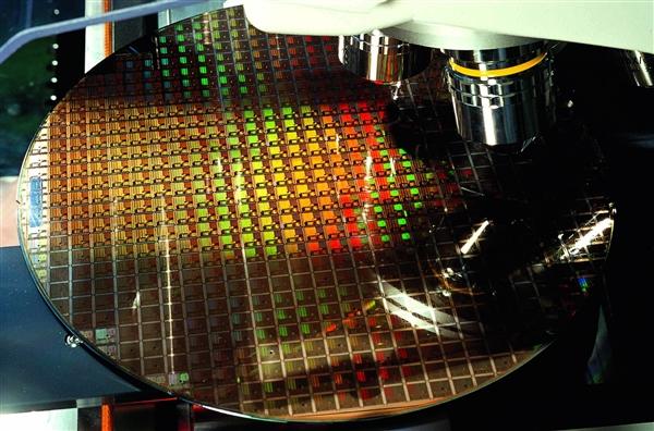 台积电7nm持续满载:Intel或下单寻求代工