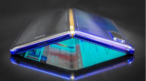 三星Galaxy Fold 2预计7月发布,有望采用屏下摄像头