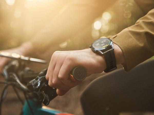 复工后骑行成首选 挑个运动手表助你健康运动