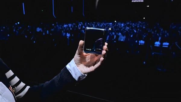 三星发布翻盖折叠屏Galaxy Z Flip:6.7+1.1英寸双屏、骁龙855+