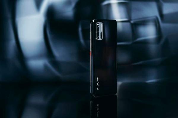 骁龙865+UFS 3.1,5G性能旗舰iQOO 3将于3月2日开售