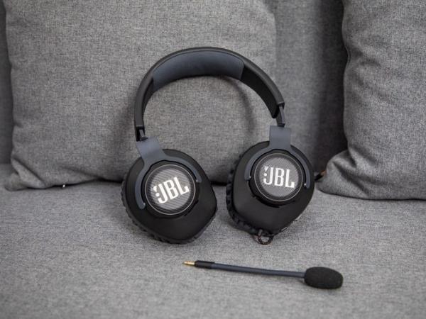 可拆卸麦克风 JBL QUANTUM 100头戴式游戏耳机评测