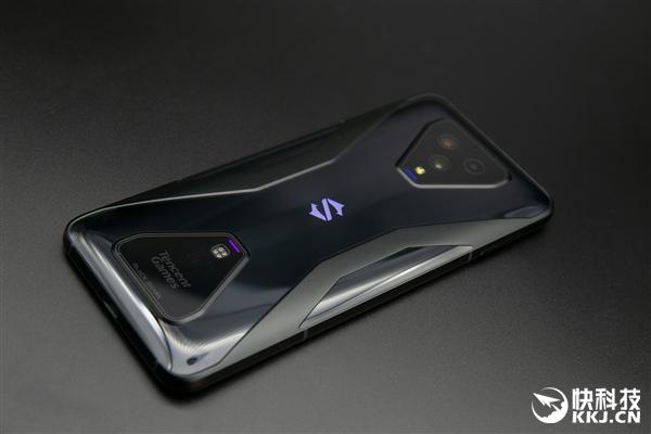 首款5G游戏手机!腾讯黑鲨游戏手机3开箱图赏