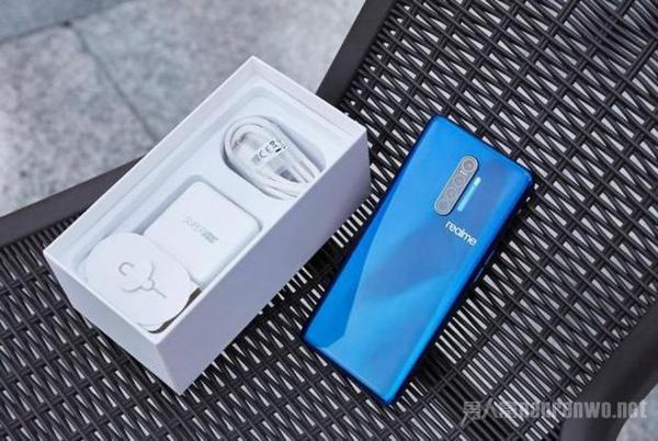内行人最爱的三款手机 都是高配低价 颜值性能逆天