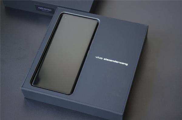 全球仅1000台 vivo X50 Pro+限定版体验:蓝厂颜值巅峰