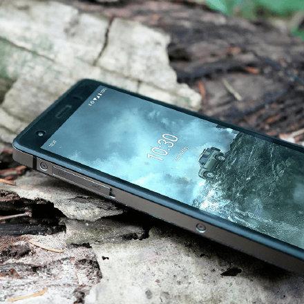 路虎推出三防手机 售价3300+