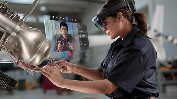 微软HoloLens 2操作系统预览版新增Edge浏览器以及滑动键盘功能