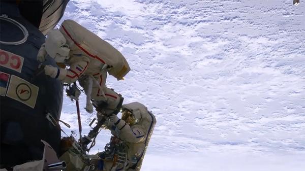 天翼云VR全球首发VR纪录片《太空探索家:国际空间站体验》中文字幕版