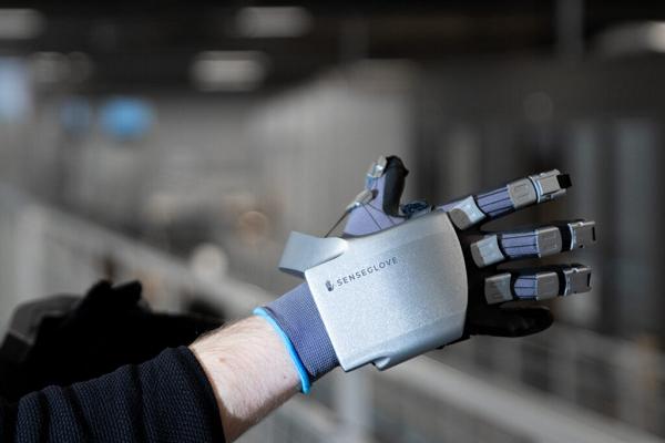 "CES 2021:荷兰VR数据手套厂商SenseGloves推出新款产品""Nova"""
