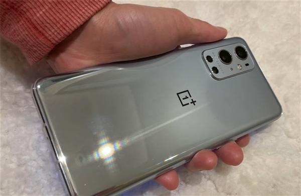哈苏第二次下海 加了个9Pro手机